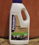 Defenders Mole Repellent Scatter Granules