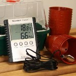 Electronic Temperature and Humidity Weatherstation
