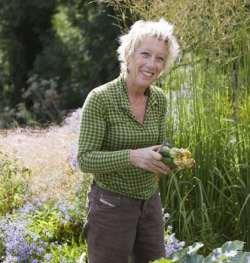 Carol Klein - Growing Peaches & Nectarines